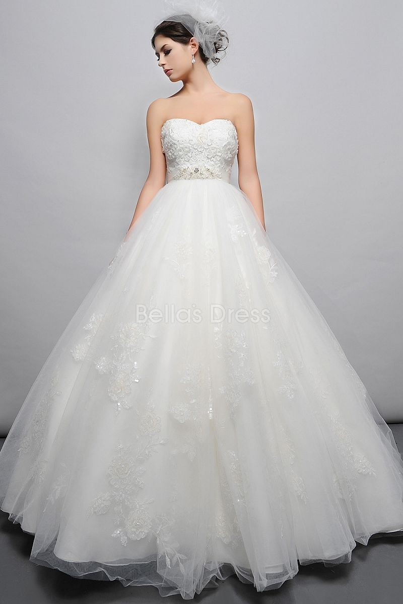 dramatic-floor-length-tulle-ball-gown-sweetheart-empire-waist-wedding-dress_2013060642
