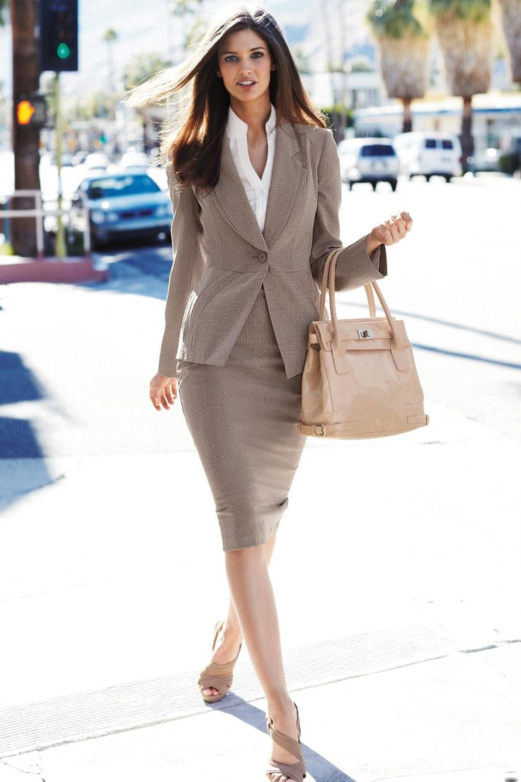 Neutral-Business-Suit-Woman